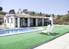LPE_117: Nice finca on a plateau with 360° views, 3 BR, under floor heating, beamed ceilings, concreted all round villa